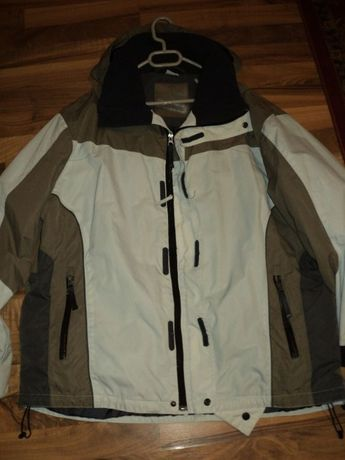 geaca,jacketa impermeabila ploaie,vant,iarna firma REEFER unisex ,L-XL