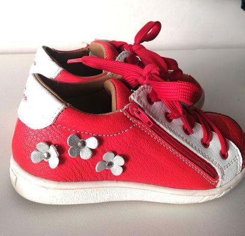 Pantofi piele naturala marimea 28 PRET REDUS 50 RON