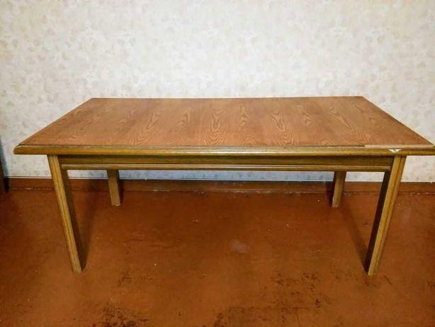Столик деревянный