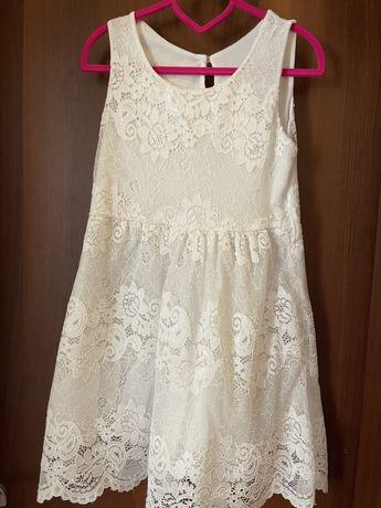 Детска рокля бяла с дантела