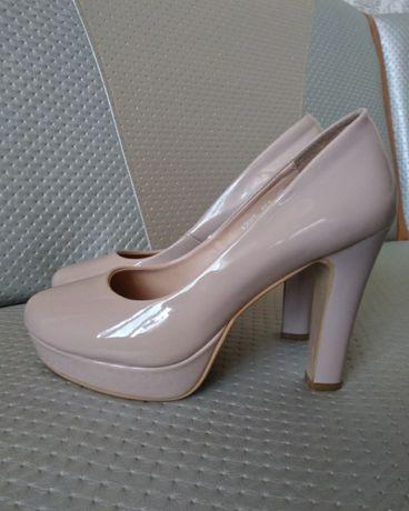 Женские туфли размер 39
