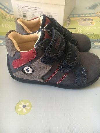 Обувки -Primigi
