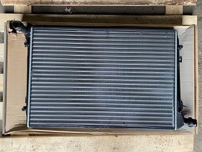 Радиатор охлаждения VW Passat 6