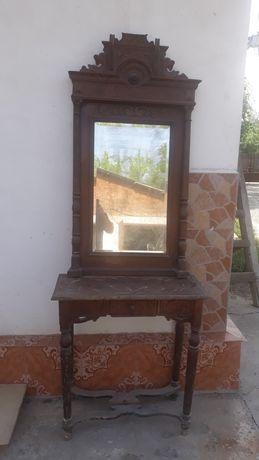 Oglinda cu consola Altdeusche .