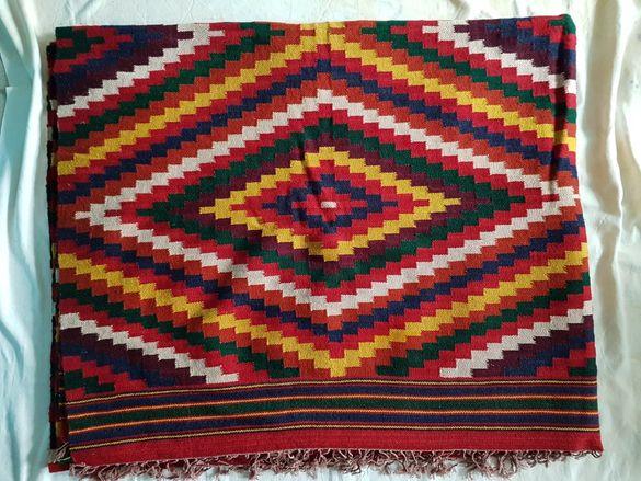 Тетевенски ръчно тъкани килими