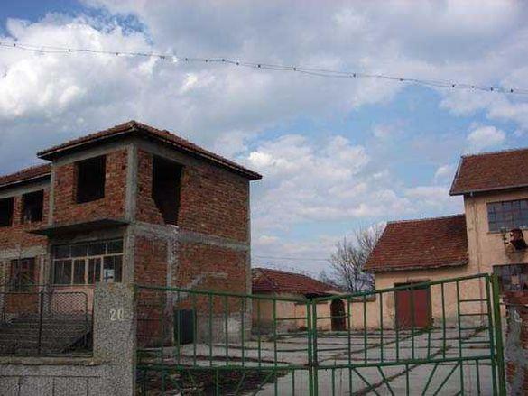 Бизнес имот в центъра на с. Гранит