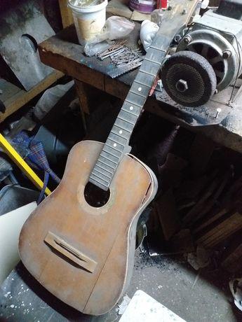 Шести струнная гитара