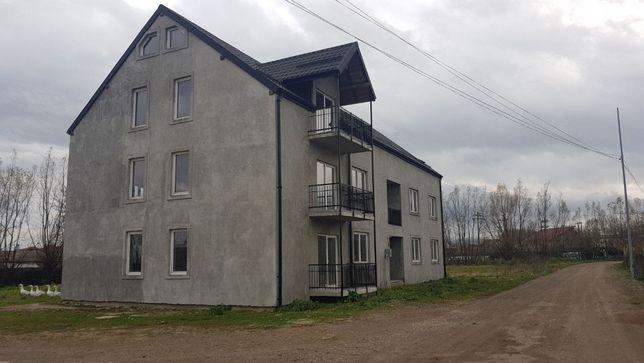 Bloc 9 apartamente 6 de 55mt și 3 de 80mt Radauti nord est