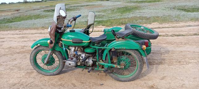 Мотоцикл Урал имз-8