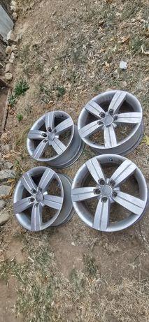Vând jante aluminiu Audi 5x112