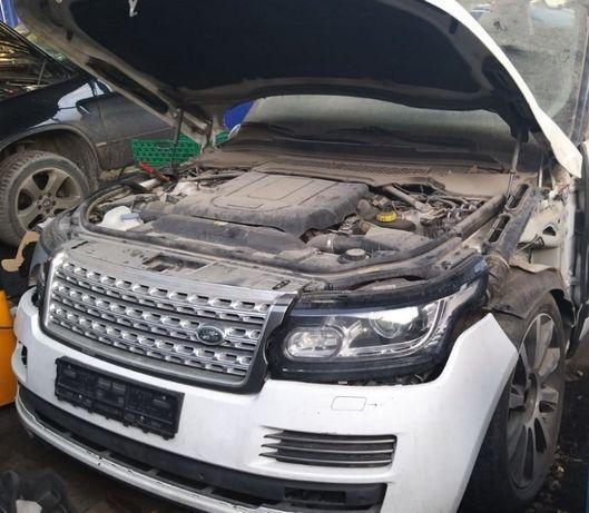 Dezmembrez Range Rover Vogue 2014, 4400 cmc, diesel, 44 000 km