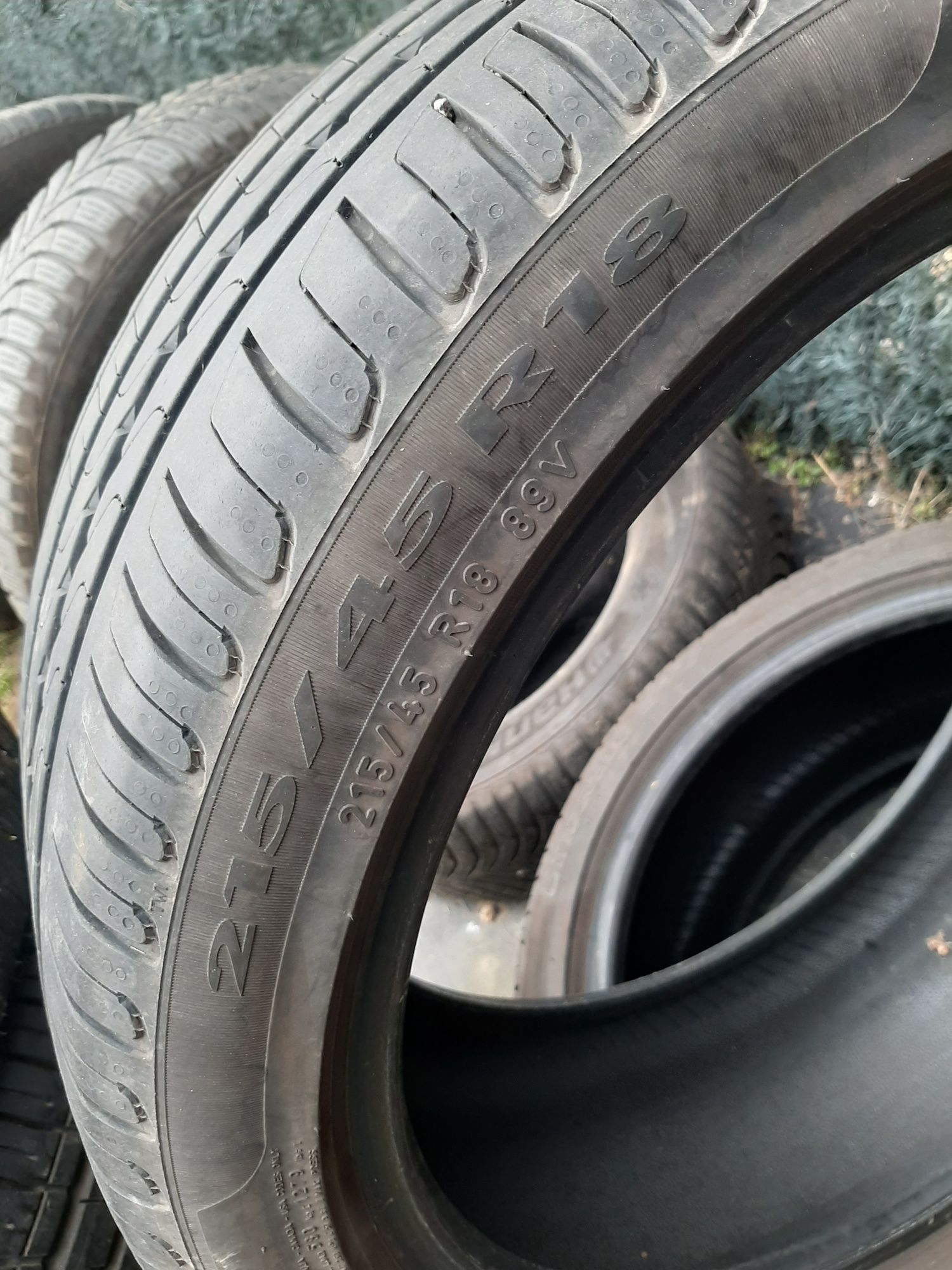 2 anvelope 215/45/18 vara pirelli foarte bune