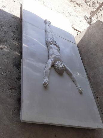 Statueta capac cavou cu Isus răstignit