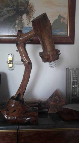 Настолна Лампа от Дърво