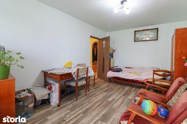 Apartament 3 camere decomandate cartierul Intre Lacuri!