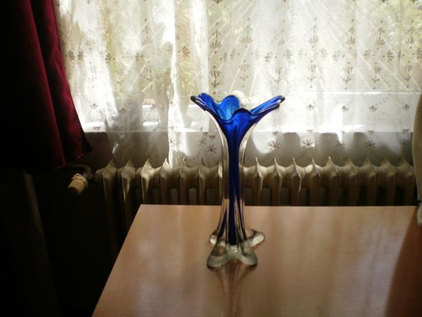 Vaza si scrumiera vintage din cristal albastru