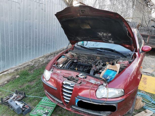 Alfa Romeo 147  Dezmembrez electromotor alternator compresor ac bari..
