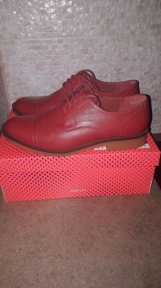 Обувки Бенетон