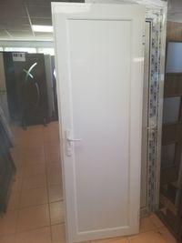 врата за баня влагоустойчива
