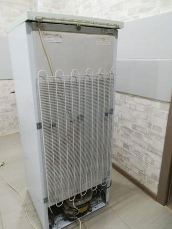 Продам 2-х камерный холодильник Днепр