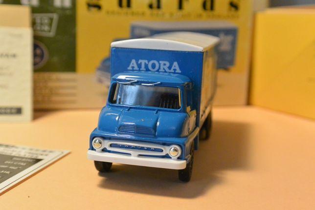 Macheta Vanguards scara 1:64 editie limitata Ford Thames Trader Van