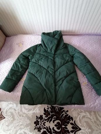 Продам женскую куртку в отличном состоянии