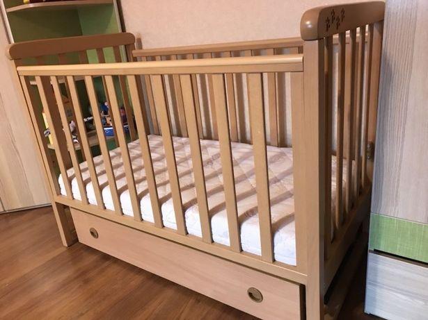 Кроватка детская фирмы VERES из натурального дерева-массива бука