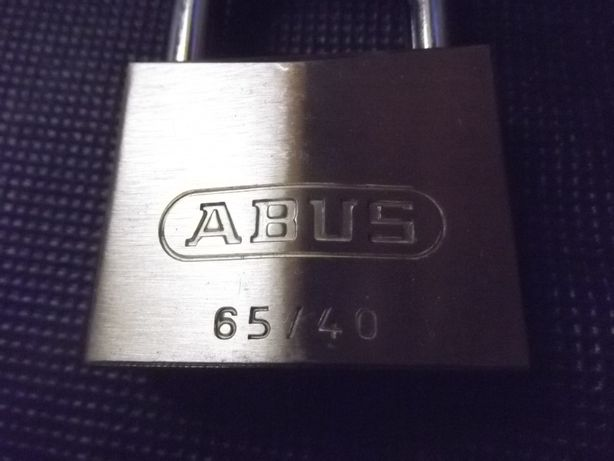 Lacat Abus 65/40 nou. Made in Germania