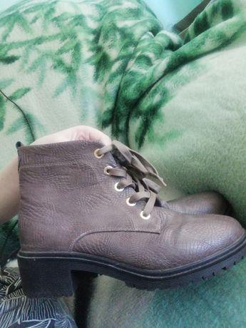 Продам ботинки почтии новые Срочно