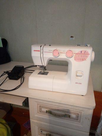 Швейная машинка XR-23S