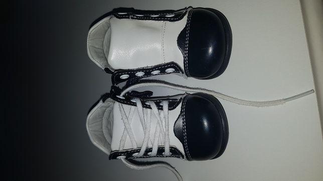 Papuci din piele, nr.19