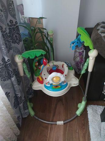 Centrul de joaca pentru copii  jomper  si balansoar  electric