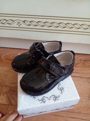 Туфли лакированные на малчика