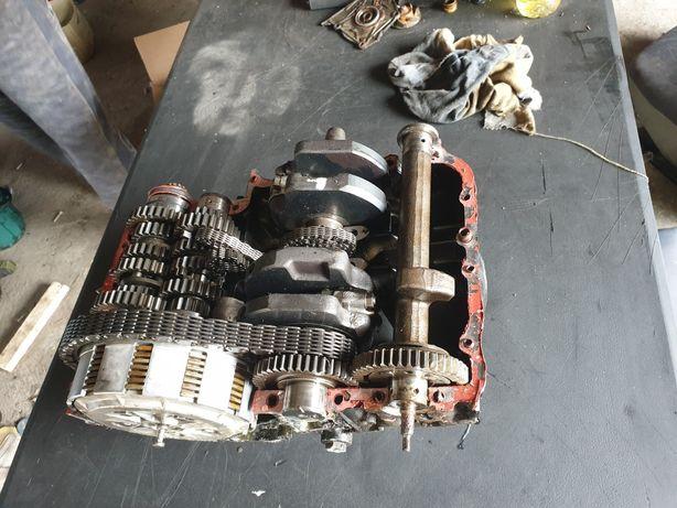 Dezmembrez motor kawasaki 500 cm3 ambeaj pistoane cutie biele