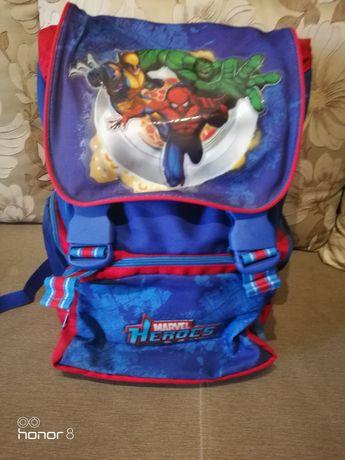 Ghiozdan Marvel Heroes