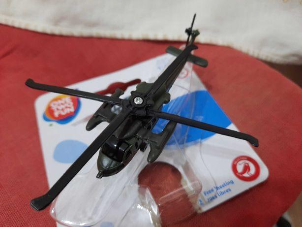 Jucarie-jucarii-macheta-metal-militare_Elicopter S-70 Black Hawk_USA