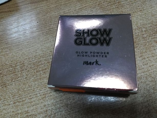 Pudra Iluminat. de fata-Show Glow Powder Highlighter by Avon