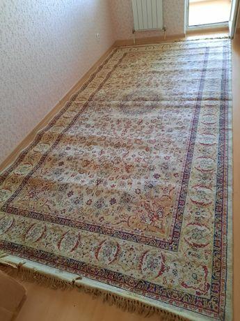 Продаётся ковры.