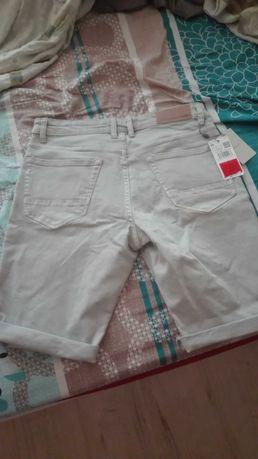 Къси панталони Mango нови S номер