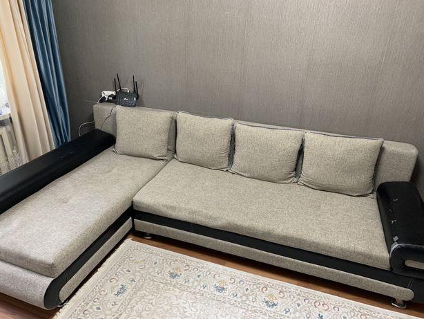 Угловой раскладной диван в зал