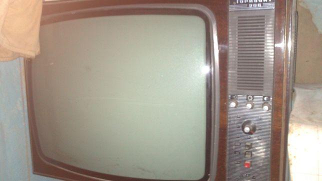 телевизор советский,ч/б,61'