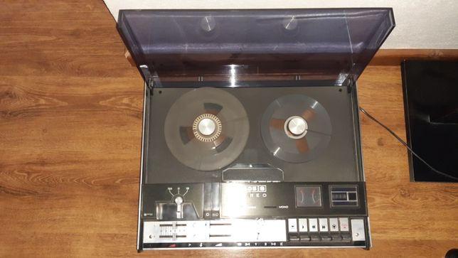 Magnetofon Unitra M 2405S .