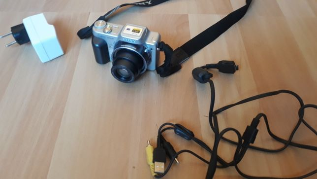 119 lei/vand URGENT aparat Sony cyber shot DSC H-10