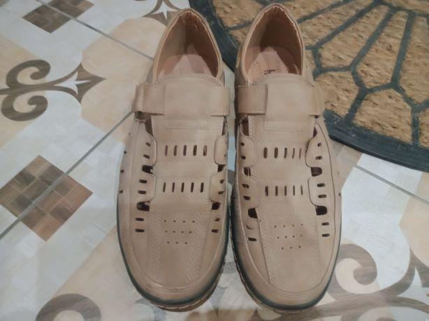 Летняя  обувь  почти новая