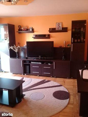 Apartament spatios cu 3 camere zona Girocului