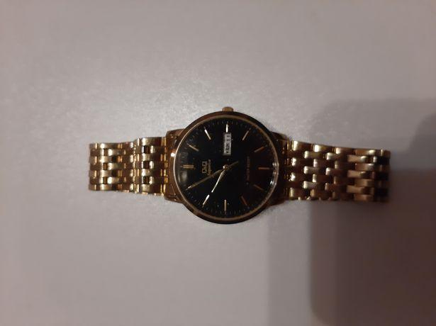 Продам часы наручные одни электронные , другие часы дорогие фирма QJQ