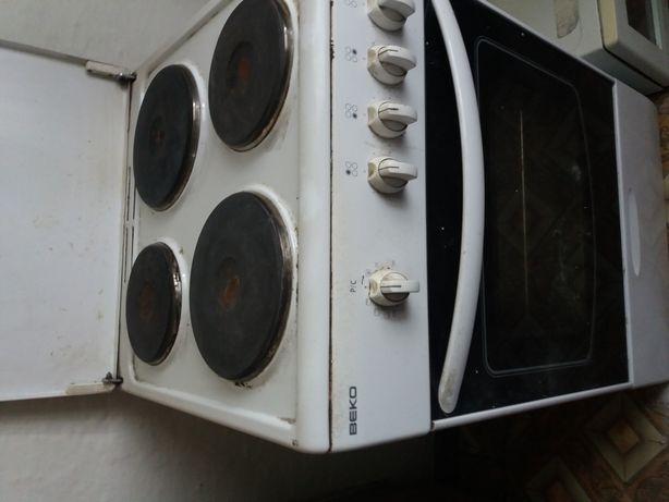 Кухонная плита Веко рабочая