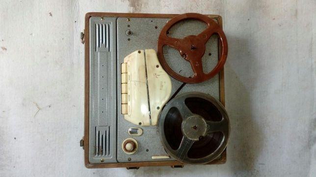 Ретро катушеный ламповый магнитофон ELFA 60-х годов