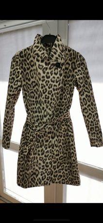 Дамски шлифер нов