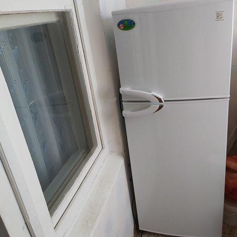 Холодильник марки DAEWOO